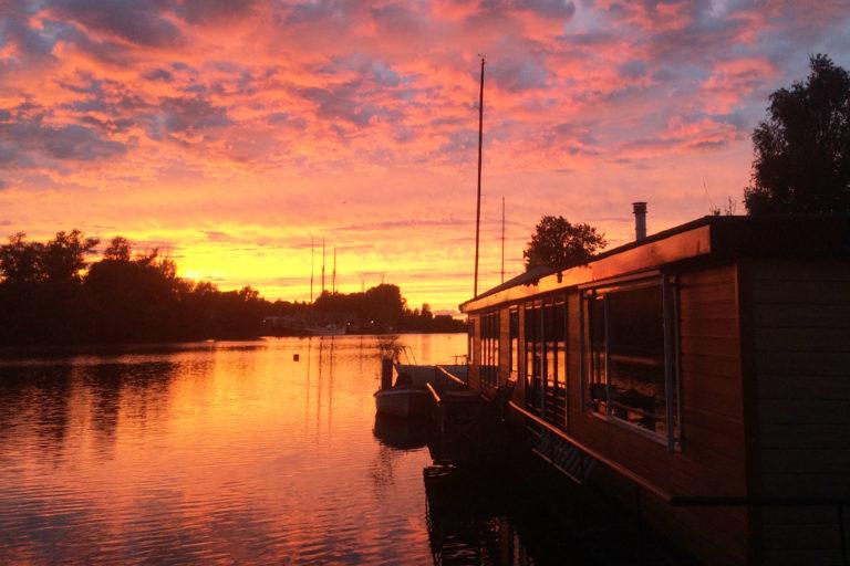 VWVG wonen aan de Vecht - woonark - woonboot - watervilla - waterwonen